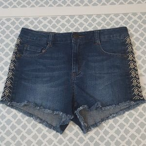 Celebrity Pink Jeans Tribal Embroid Shorts